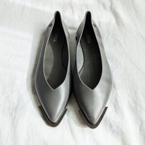 Melissa Odabash Gray Spice Pointy Flats Size 9